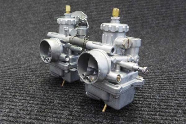 Twin Carb 1